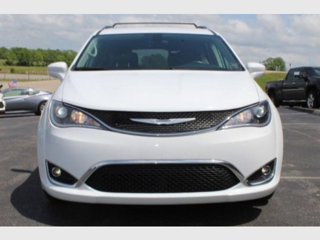 2019 CHRYSLER PACIFICA - Image 3