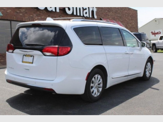 2019 CHRYSLER PACIFICA - Image 5