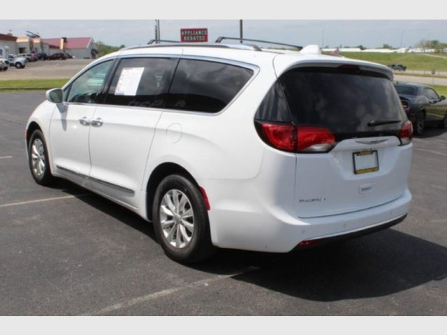 2019 CHRYSLER PACIFICA - Image 7