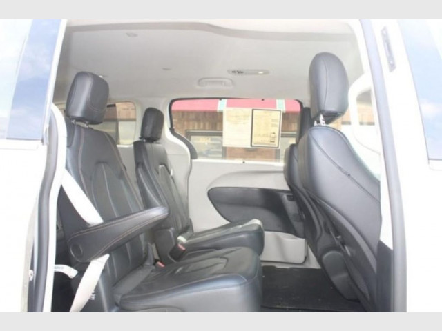 2019 CHRYSLER PACIFICA - Image 10
