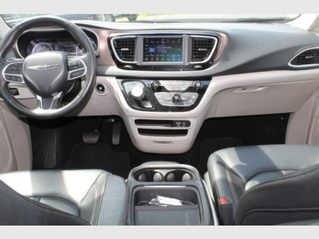 2019 CHRYSLER PACIFICA - Image 12