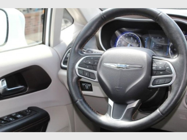 2019 CHRYSLER PACIFICA - Image 13