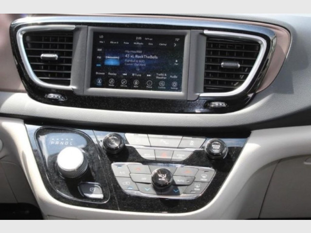 2019 CHRYSLER PACIFICA - Image 14