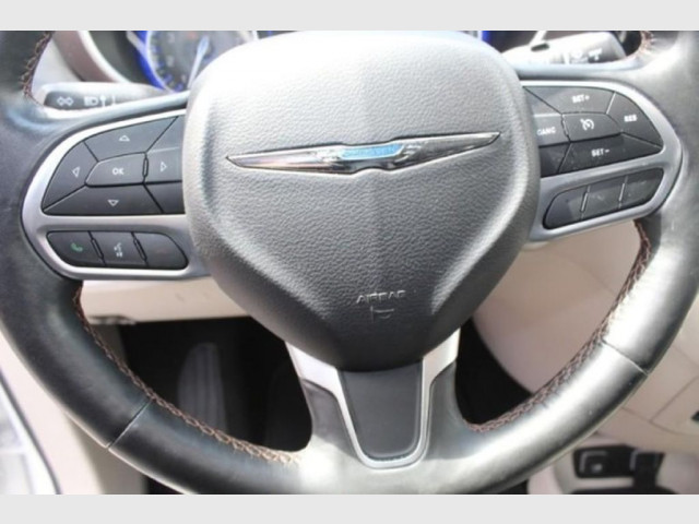 2019 CHRYSLER PACIFICA - Image 18