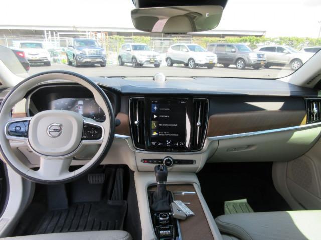 2017 VOLVO S90 - Image 22