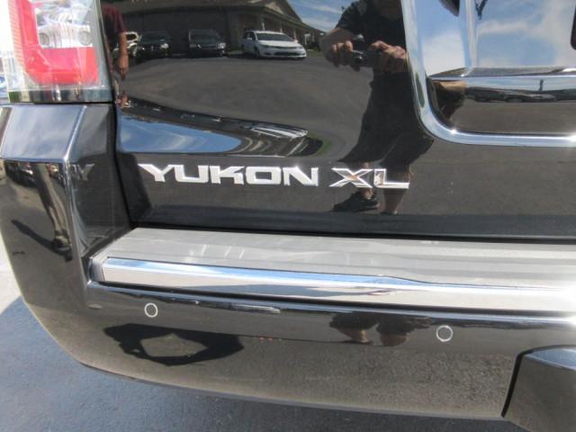 2015 GMC YUKON XL - Image 6
