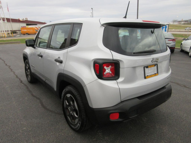2015 JEEP RENEGADE - Image 5