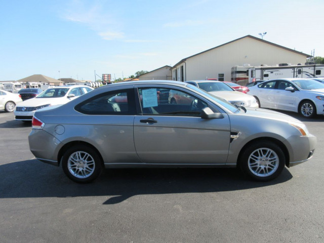 2008 FORD FOCUS - Image 2
