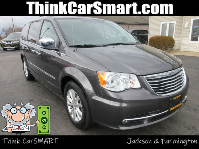 2016 CHRYSLER TOWN & COUNTRY - Image 1