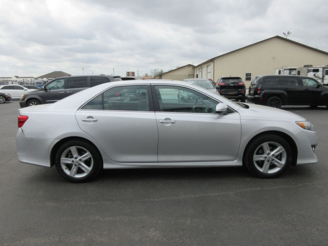 2012 TOYOTA CAMRY - Image 2