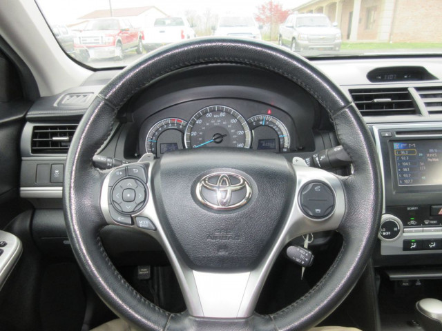 2012 TOYOTA CAMRY - Image 20