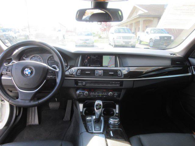 2016 BMW 528 - Image 17
