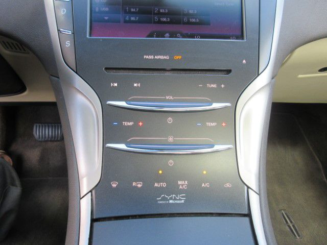2013 LINCOLN MKZ - Image 24