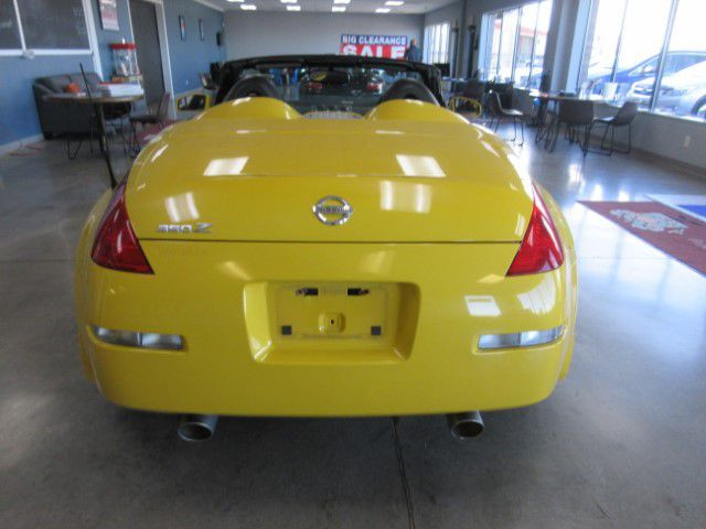 2005 NISSAN 350Z - Image 4