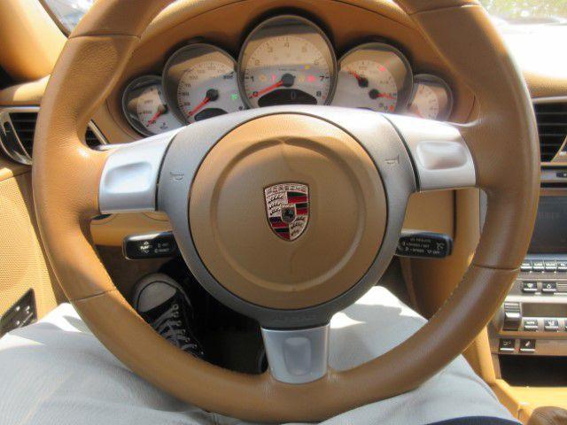 2006 PORSCHE 911 - Image 16