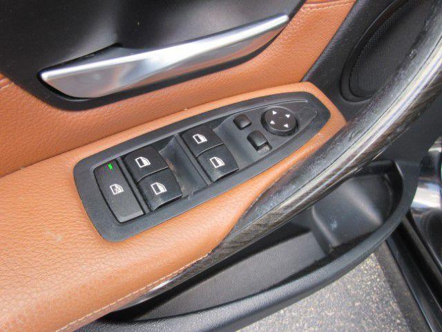 2015 BMW 328 - Image 12